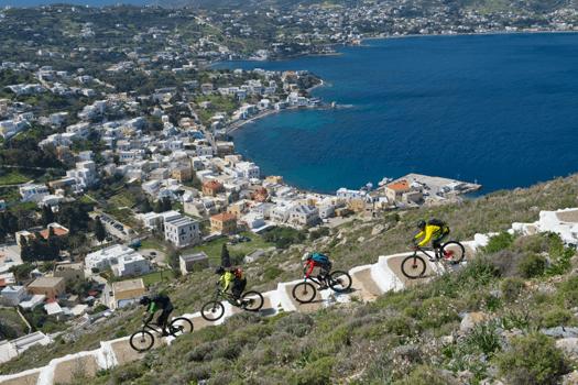 Mountainbiker bei Treppendownhill auf Leros