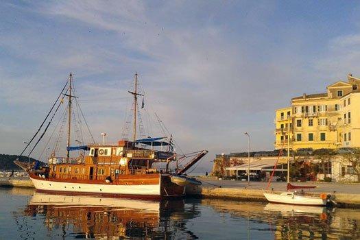MS Panagiota im Hafen von Korfu